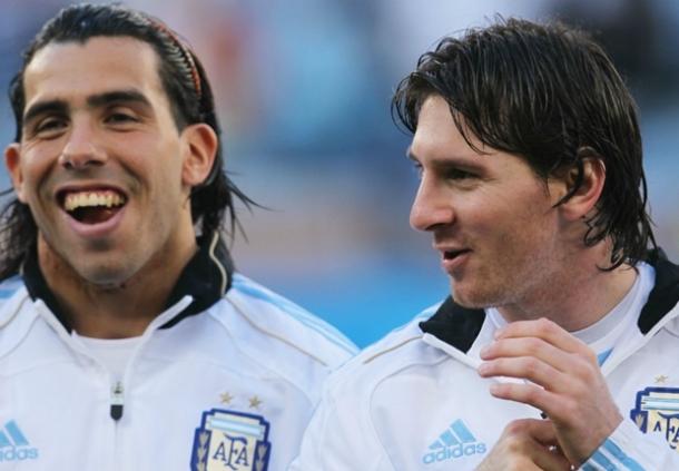 Bisa Main Bareng Lionel Messi Carlos Tevez Bangga