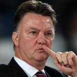 Van der Sar : Man. United Harus Pertahankan Van Gaal