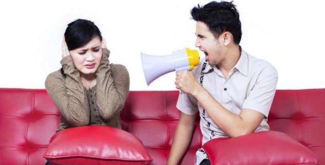 Posesif Bisa Merusak Hubungan Percintaan