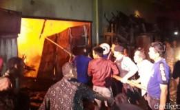 Alami Kebakaran Toko Milik Maiza Kerugian 50 Juta