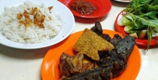 Ayam Goreng Sama Lele Harga 60 Ribu Per Porsi