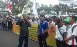 Ingin Di Libatkan Di Asian Games, Ratusan Tukang Becak Palembang Demo