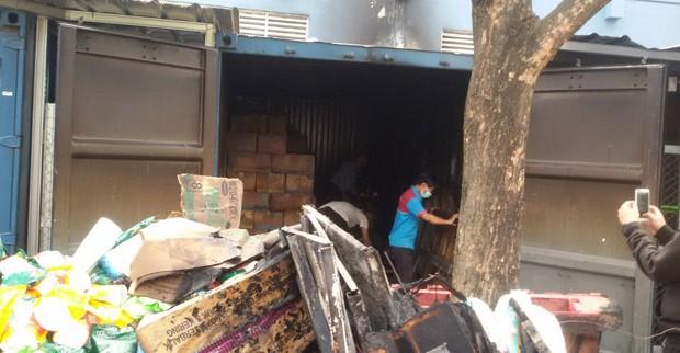 Gudang Milik Supermarket Di Bintaro Hangus Terbakar