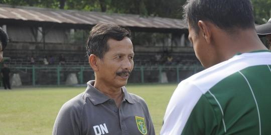 Djajang Nurjaman Pelatih Persebaya Mengaku Bahagia Dapat Memberikan Kemenangan Pertamnya Untuk Surabaya