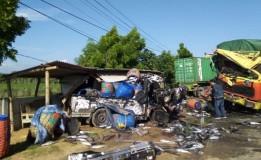 Sopir Truk Ngantuk Akibatkan Kecelakaan Beruntun di Jalur Pantura Tuban